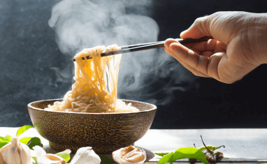 Know which temperature food is less risky than the other?